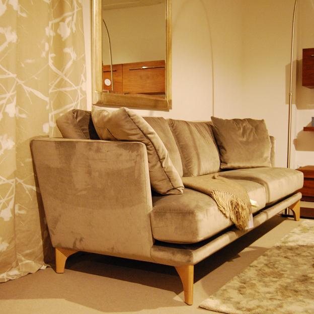sofas zu unschlagbaren preisen bei manus. Black Bedroom Furniture Sets. Home Design Ideas